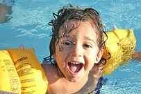 schwimmen macht nicht nur kindern spaß