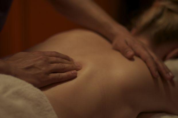 Eine Massage für Entspannung und Wohlbefinden.