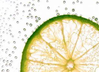 Abnehmen mit Zitronensaft - dieses Rezept hilft dabei