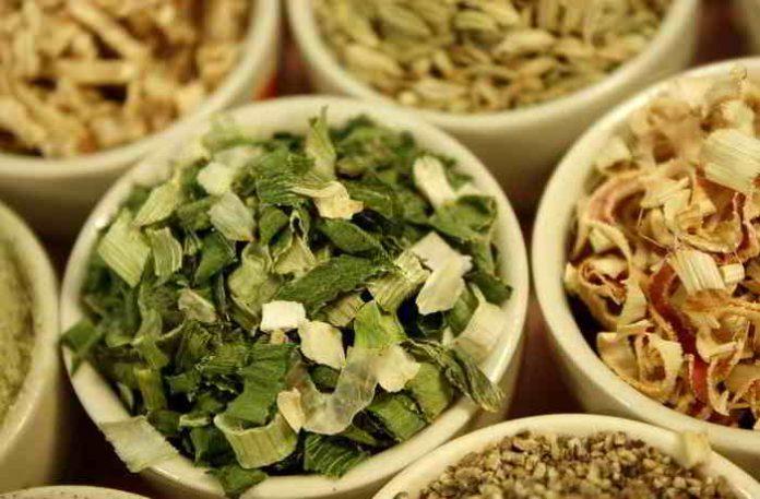 DIY Instant Brühe aus Gemüseresten - das Rezept
