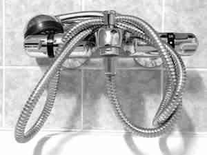 Auch in der Badewanne können Wechselduschen durchgeführt werden
