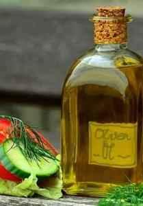 Eine gesunde Ernährung beinhaltet Fette und Öle