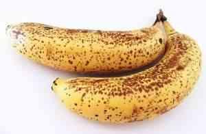 Die Bananen sind reif, wenn sich dunkle Stellen bilden