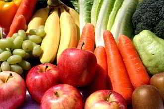 Beim Abnehmen helfen kalorienarme, vitamin- und mineralienreiche Lebensmittel