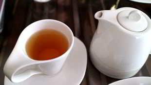 Tees können beim Entschlacken helfen