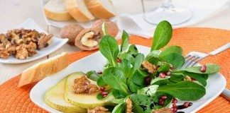 Feldsalat enthält viel Vitamin C und Eisen
