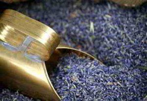 Lavendel-Limo aus Lavendelblüten