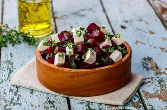 Rote Bete mit selbst gemachten Feta - der gesunde Low Carb Salat