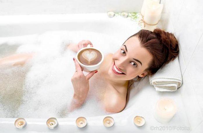 Wellness Badezusatz selber herstellen - mit Vanille und Walnussöl