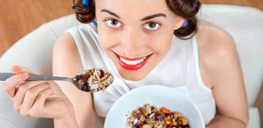 Granola, zuckerfrei und verführerisch knusprig
