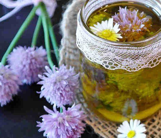 Kräuteressig und -Salz aus Schnittlauchblüten selber herstellen