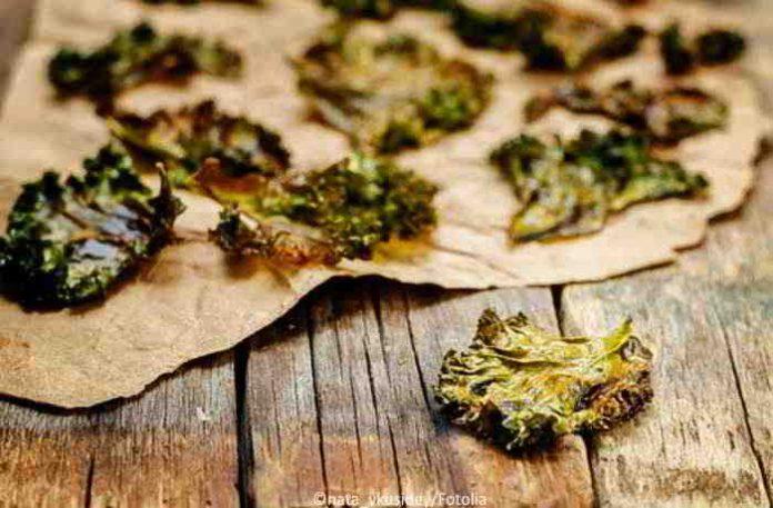 Kale Rezepte - Grünkohl als Chips oder veganer Wintersalat