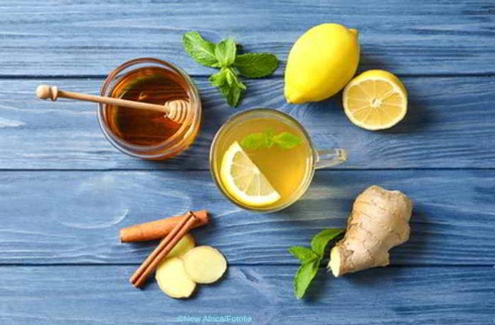 DIY Honigwasser - gesunde Süße, die sogar beim Abnehmen hilft
