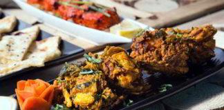 Pakora vegan – knusprig gebacken mit Rhabarber Chutney und Minzsauce